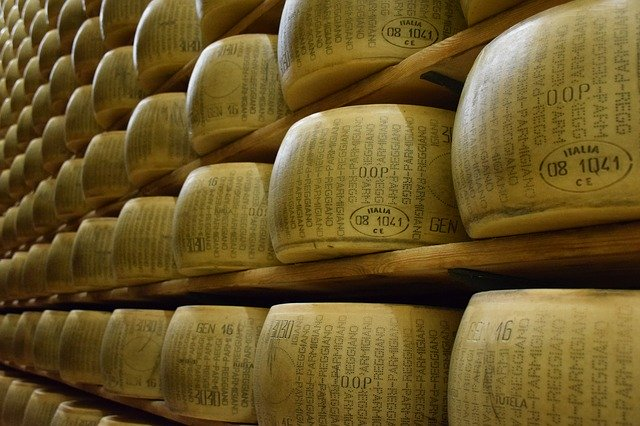 FROMAGES ITALIEN LOCHES